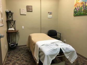 Lifemark Physiotherapy Bathurst & St. Clair_5.jpg
