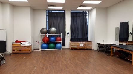 Lifemark Physiotherapy Keefer Place_9.jpg