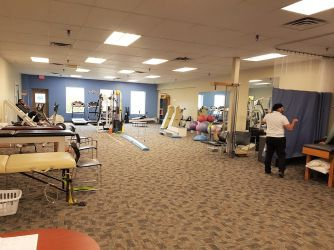 Lifemark Physiotherapy Village Square_7.jpg